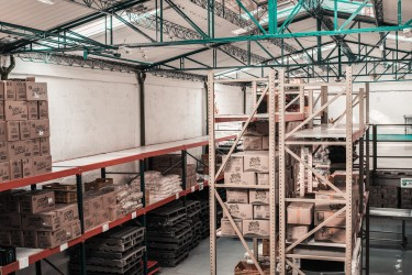 USED PALLET RACKING? 5 REASONS TO THINK TWICE